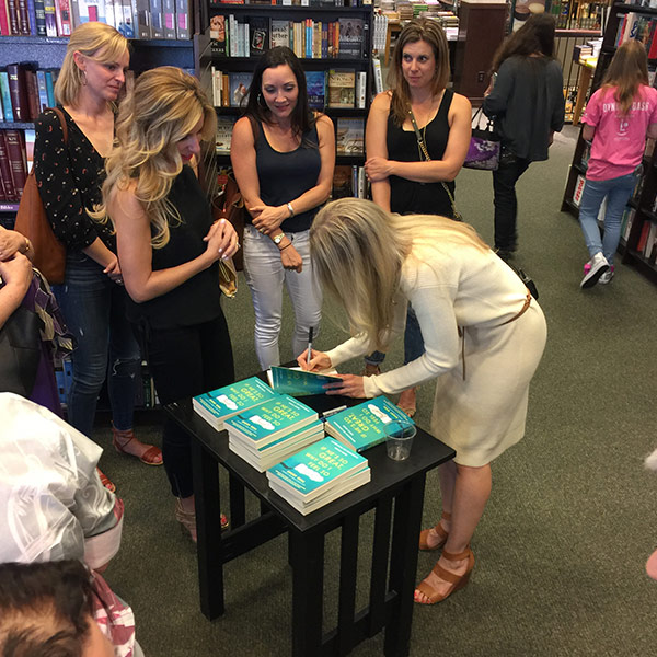 Avery-book-signing